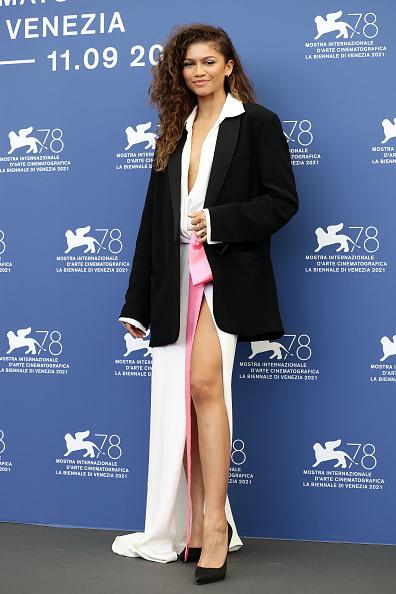 """サイハイスリット「""""Dune"""" Photocall - The 78th Venice International Film Festival」:写真・画像(7)[壁紙.com]"""