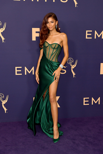 Green Color「71st Emmy Awards - Arrivals」:写真・画像(13)[壁紙.com]
