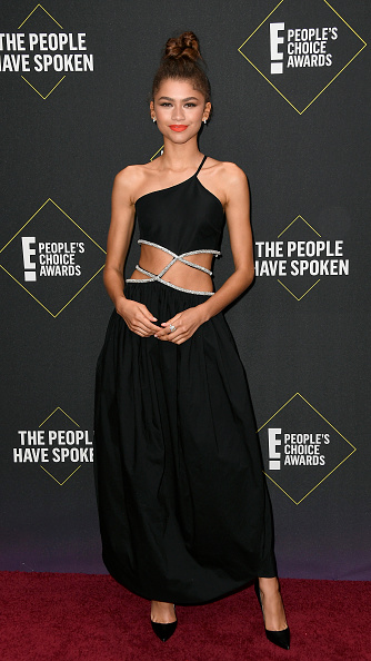 Zendaya Coleman「2019 E! People's Choice Awards - Social Crops」:写真・画像(16)[壁紙.com]