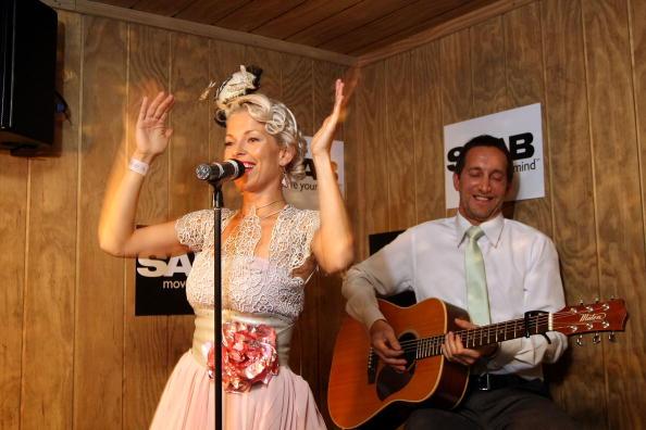 スウェーデン文化「Celebrities At Crown Oaks Day」:写真・画像(17)[壁紙.com]