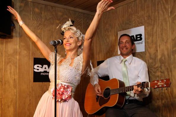 スウェーデン文化「Celebrities At Crown Oaks Day」:写真・画像(18)[壁紙.com]