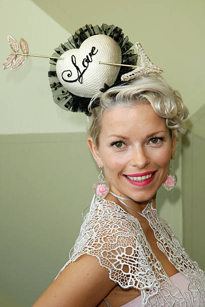 Celebrities At Crown Oaks Day:ニュース(壁紙.com)