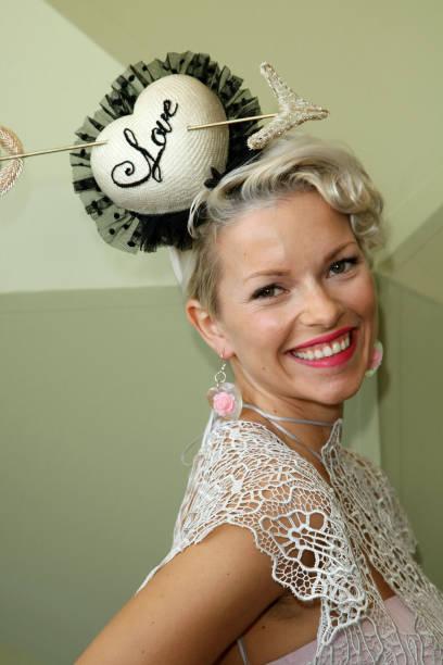 Celebrities At Crown Oaks Day:ニュース(壁紙.com)