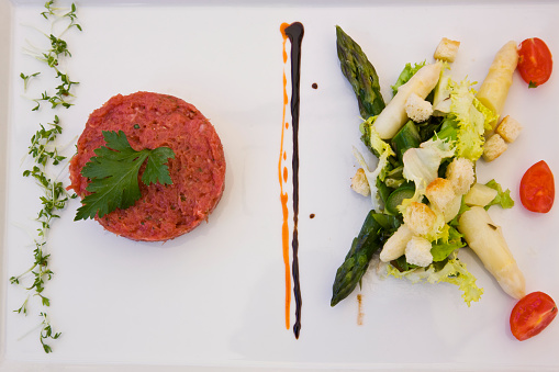 Alto Adige - Italy「Raw beef medallion and asparagus salad」:スマホ壁紙(0)