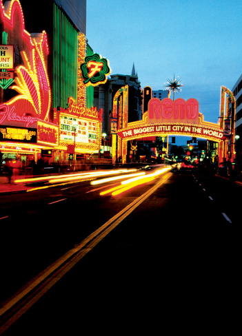 City Street「Strip of casinos in Reno, Nevada, USA」:スマホ壁紙(16)