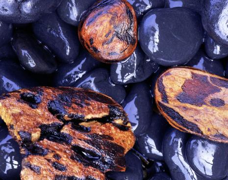 Basalt「Charred wood on stones」:スマホ壁紙(0)