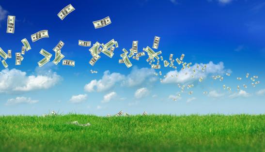 Economic fortune「flying money over landscape」:スマホ壁紙(14)