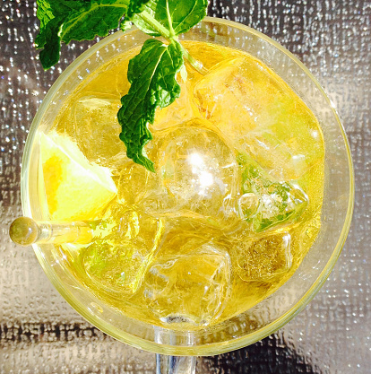 Ice Tea「Iced tea infused with herbs closeup - directly above view」:スマホ壁紙(17)