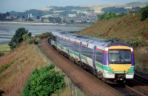 Sunny「The Class 170 /4 design of Turbostars is operated by ScotRail on many of their express services such as this Aberdeen - Edinburgh service seen hugging the Fife coastline at Burntisland on its journey south. September 2003」:写真・画像(17)[壁紙.com]