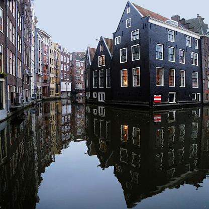 Amsterdam「Houses along a canal, Amsterdam, The Netherlands」:スマホ壁紙(18)