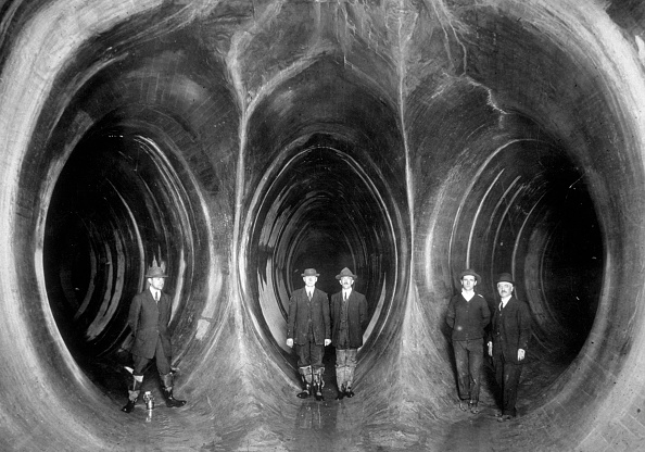 Business Finance and Industry「Water Tunnels」:写真・画像(7)[壁紙.com]