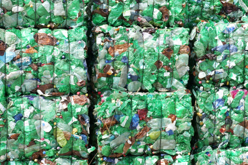 Recycling「Green plastic bottles ready for recycling」:スマホ壁紙(9)