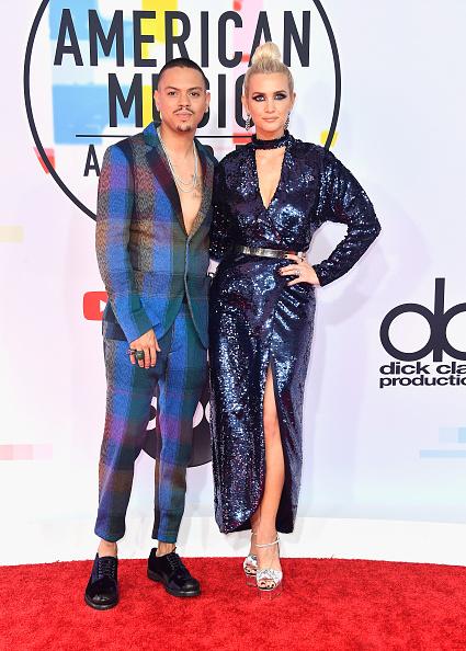 アシュリー・シンプソン「2018 American Music Awards - Arrivals」:写真・画像(16)[壁紙.com]