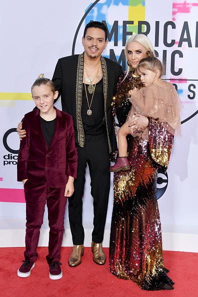 アシュリー・シンプソン「2017 American Music Awards - Arrivals」:写真・画像(5)[壁紙.com]