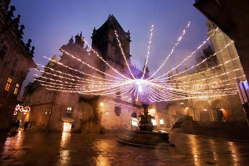 Camino De Santiago「Cathedral in rainy night in Santiago de Compostela.」:スマホ壁紙(2)