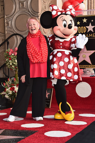 ミニーマウス「Disney's Minnie Mouse Celebrates Her 90th Anniversary With Star On The Hollywood Walk Of Fame」:写真・画像(15)[壁紙.com]