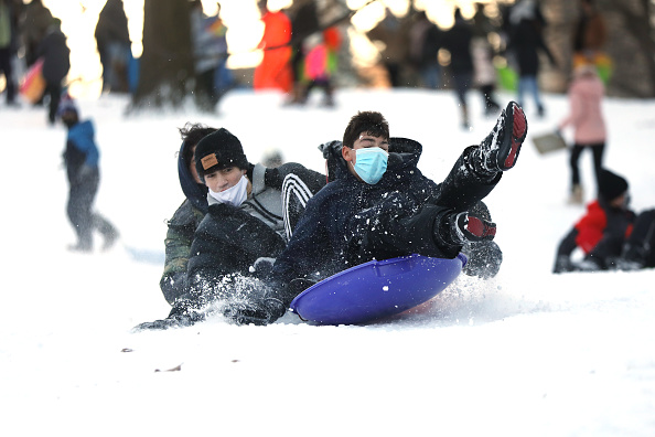 Day「Major Winter Storm Blankets Northeast With Snow」:写真・画像(13)[壁紙.com]