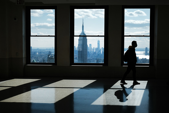 Office「Manhattan's Midtown Offices Remain Largely Empty As Businesses Begin To Consider Returning」:写真・画像(6)[壁紙.com]