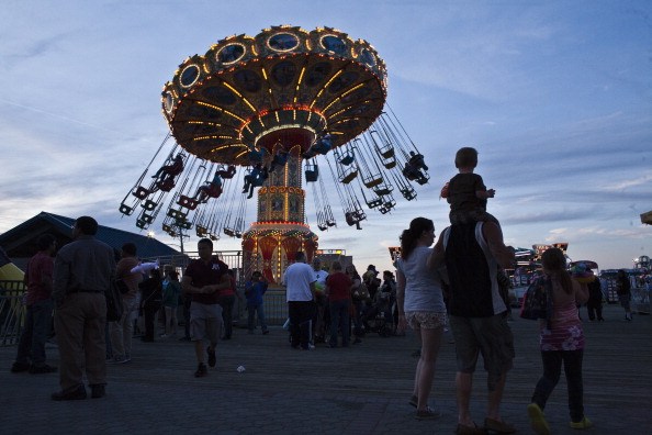 Enjoyment「7 Months After Hurricane Sandy, New Jersey Shore Open For Memorial Day」:写真・画像(1)[壁紙.com]