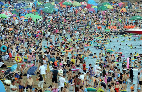 Infinity Pool「Heat Wave Hits Dalian」:写真・画像(12)[壁紙.com]