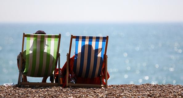 Beach「People enjoying the warm weather」:写真・画像(14)[壁紙.com]