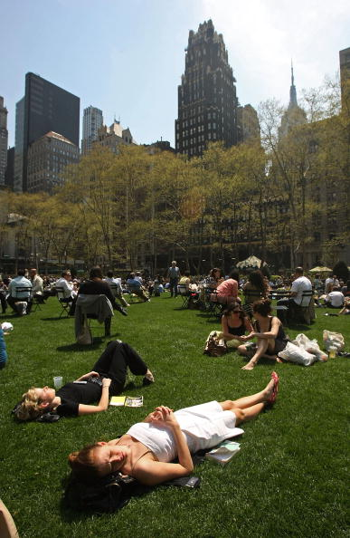 春「New York City Sees Unseasonably Warm Temperatures」:写真・画像(18)[壁紙.com]