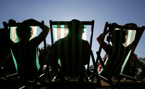 Deck Chair「Temperatures Soar During Summer Heatwave」:写真・画像(2)[壁紙.com]