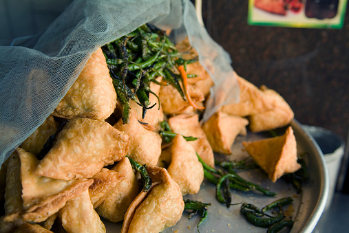 Samosa「Samosas and Green Chiles」:スマホ壁紙(9)