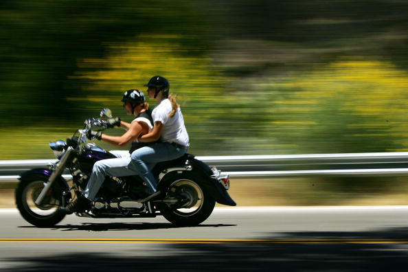 Motorcycle「Wildflowers Bloom On First Day Of Summer After Record Rainy Winter」:写真・画像(6)[壁紙.com]