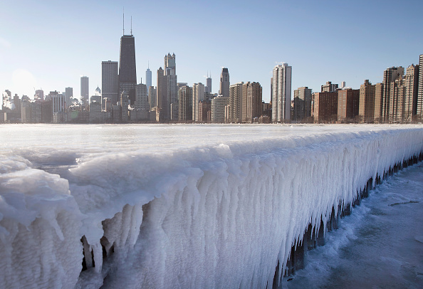 Chicago - Illinois「Temperatures Drop Near Zero Degrees In Chicago」:写真・画像(11)[壁紙.com]