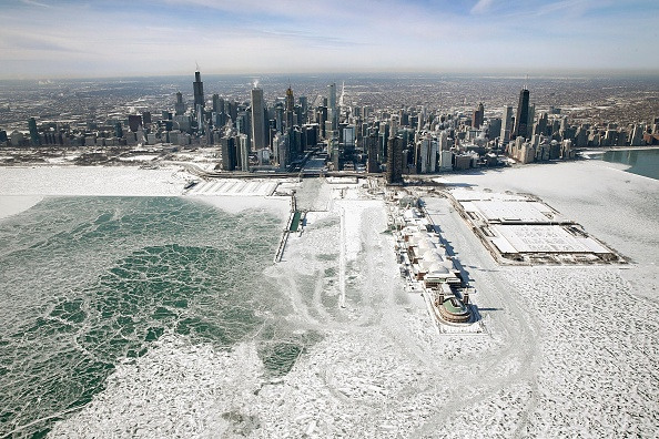 Chicago - Illinois「Polar Vortex Brings Extreme Cold Temperatures To Chicago」:写真・画像(0)[壁紙.com]