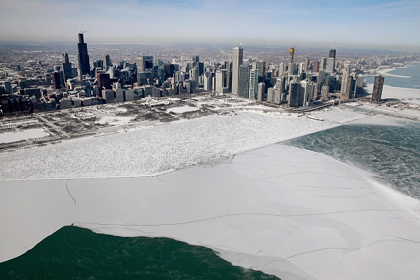 Chicago - Illinois「Polar Vortex Brings Extreme Cold Temperatures To Chicago」:写真・画像(7)[壁紙.com]