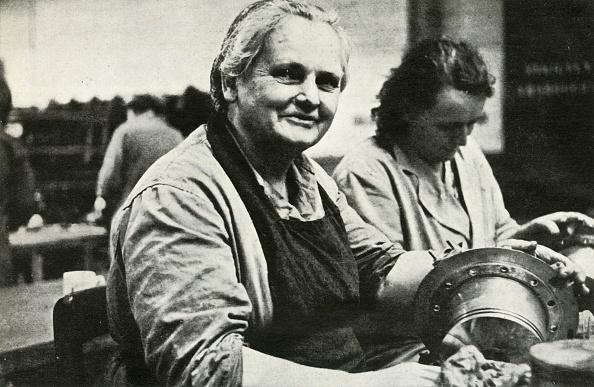 Repair Shop「Women Aircraft Maintenance And Repair Workers」:写真・画像(15)[壁紙.com]