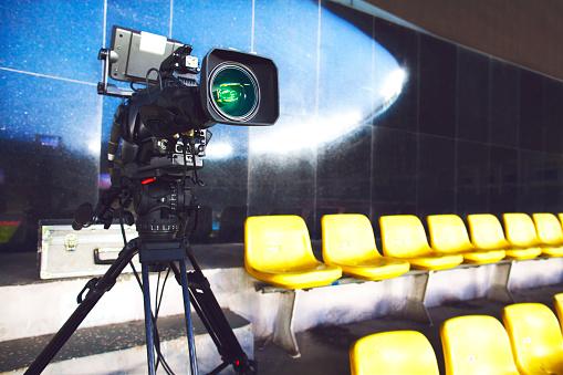 Live Event「Professional TV camera filming event in a stadium」:スマホ壁紙(12)
