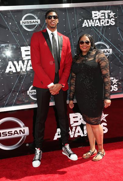 Basketball player Anthony Davis「2015 BET Awards - Arrivals」:写真・画像(1)[壁紙.com]