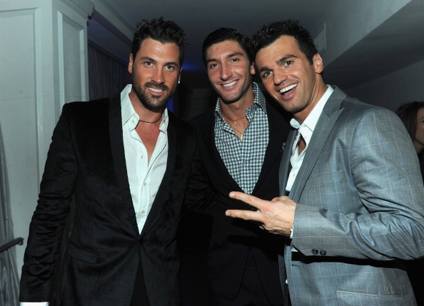 "Evan Lysacek「ABC's ""Dancing With The Stars"" 200th Episode Red Carpet」:写真・画像(7)[壁紙.com]"