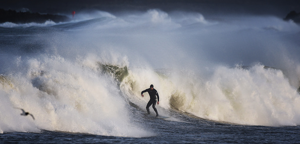 Sport「High Winds And Large Waves Hit The North West Coast Of The UK And Northern Ireland」:写真・画像(17)[壁紙.com]