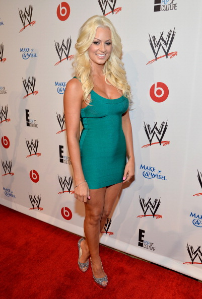 "Looking Away「WWE & E! Entertainment's ""SuperStars For Hope"" Event At The Beverly Hills Hotel」:写真・画像(15)[壁紙.com]"