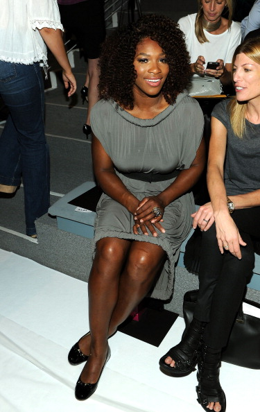 Gray Dress「Vera Wang - Front Row - Spring 2012 Mercedes-Benz Fashion Week」:写真・画像(8)[壁紙.com]