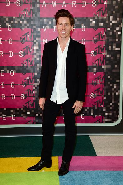 スノーボード「2015 MTV Video Music Awards - Arrivals」:写真・画像(3)[壁紙.com]