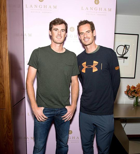 テニス選手 アンディ・マレー「US Open Weekend: Andy Murray And Jamie Murray Introduce The New Roche Bobois Presidential Suite At Langham Place, New York」:写真・画像(8)[壁紙.com]