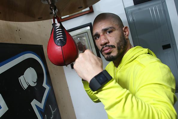 Saul Alvarez「Professional Boxer Miguel Cotto Trains With Fitbit Surge In Preparation For His Fight On Nov. 21 With Canelo Alvarez」:写真・画像(9)[壁紙.com]