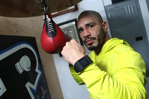 Saul Alvarez「Professional Boxer Miguel Cotto Trains With Fitbit Surge In Preparation For His Fight On Nov. 21 With Canelo Alvarez」:写真・画像(12)[壁紙.com]