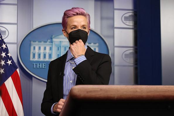 Women's Soccer「President Biden Holds White House Event To Mark Equal Pay Day」:写真・画像(15)[壁紙.com]