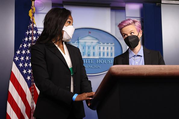 Women's Soccer「President Biden Holds White House Event To Mark Equal Pay Day」:写真・画像(12)[壁紙.com]