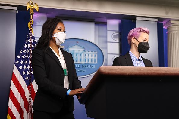 Women's Soccer「President Biden Holds White House Event To Mark Equal Pay Day」:写真・画像(17)[壁紙.com]