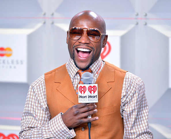 Floyd Mayweather Jr「iHeartRadio Music Festival - Day 2 - Backstage」:写真・画像(10)[壁紙.com]