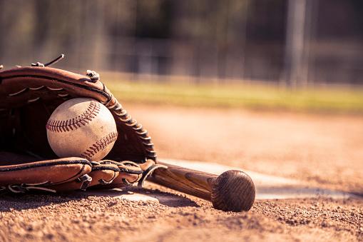 Baseball「Baseball season is here.  Bat, glove and ball on home plate.」:スマホ壁紙(12)