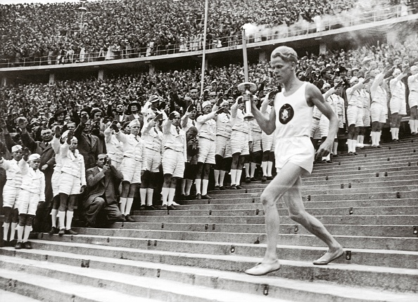 Sport Torch「Beginning of the eleventh Olympic Games」:写真・画像(7)[壁紙.com]