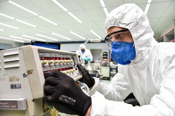 Technician「FIAT's Factory in Betim Repairs Ventilators from Public Hospitals」:写真・画像(16)[壁紙.com]